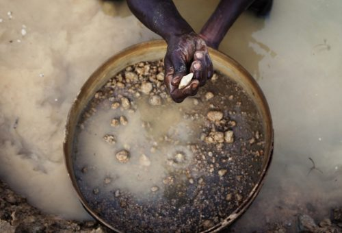 "Sierra Leone's ""cheap gold"" entices the gullible"
